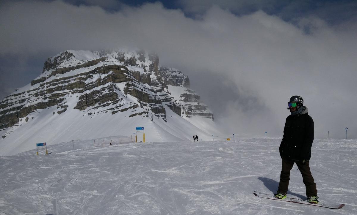 Folgarida snowboarder