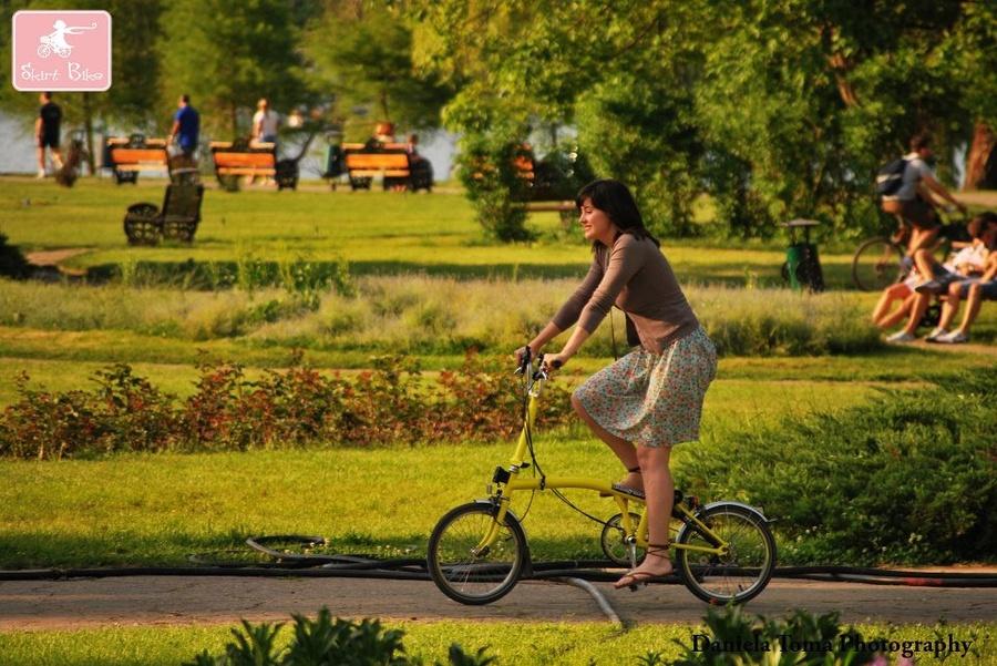 Elena Cîrîc bicicleta